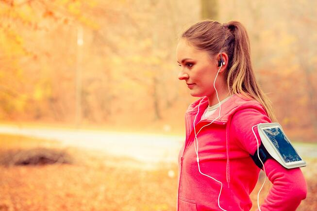 autumn fall fitness young woman in forest_1400.jpg